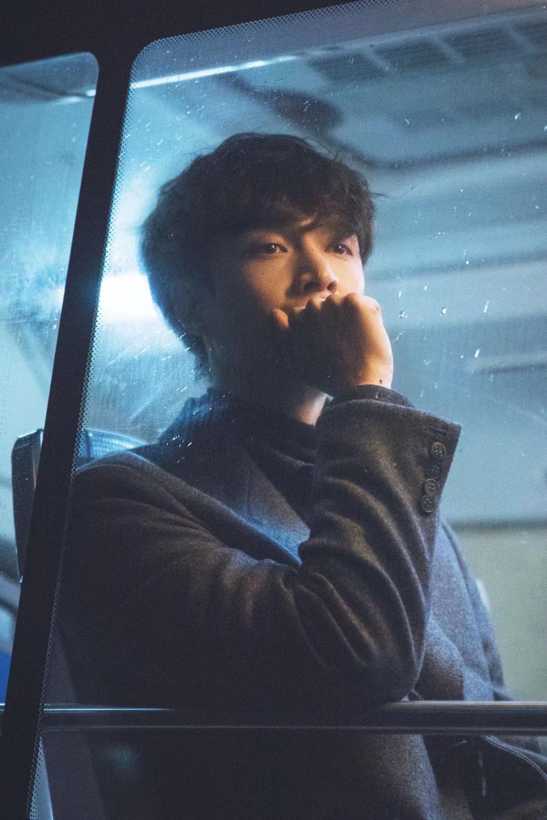 张艺兴全新单曲《外婆》温情上线 暖心MV低吟童谣催泪