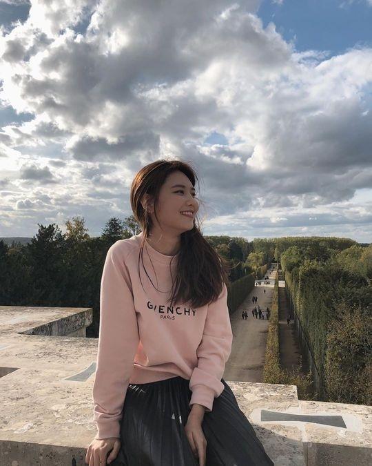 崔秀英前世是公主?在法国凡尔赛宫展示优雅的氛围