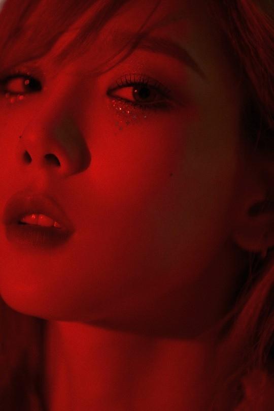 少女时代金泰妍公开第二张专辑《Purpose》收录两首歌曲的经典片断