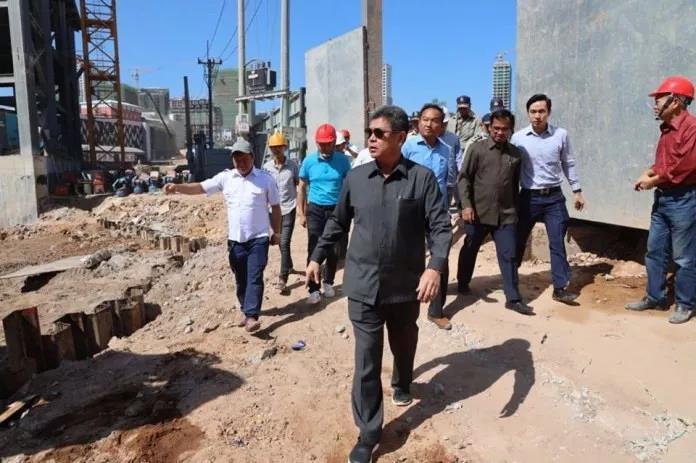 柬埔寨西港省长亲自带队检查:多处工地被叫停!