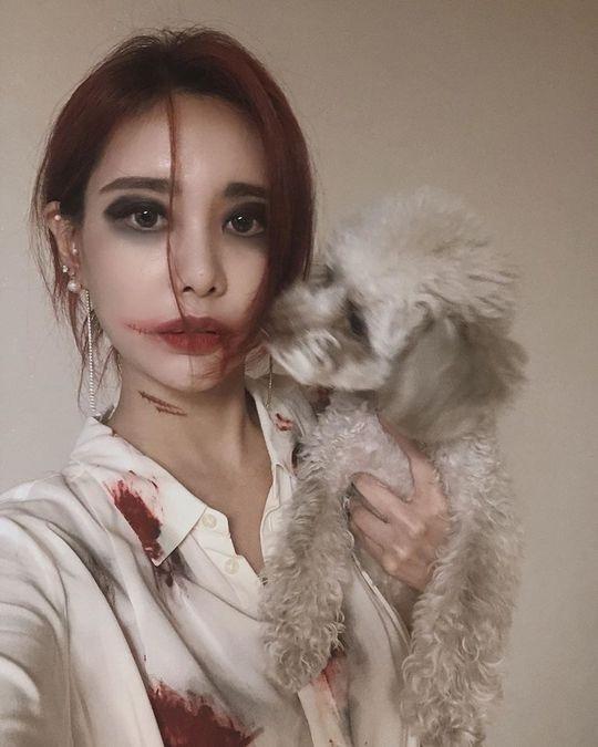T-ara李居丽万圣节化妆冲击变身:我的小汪们不要逃