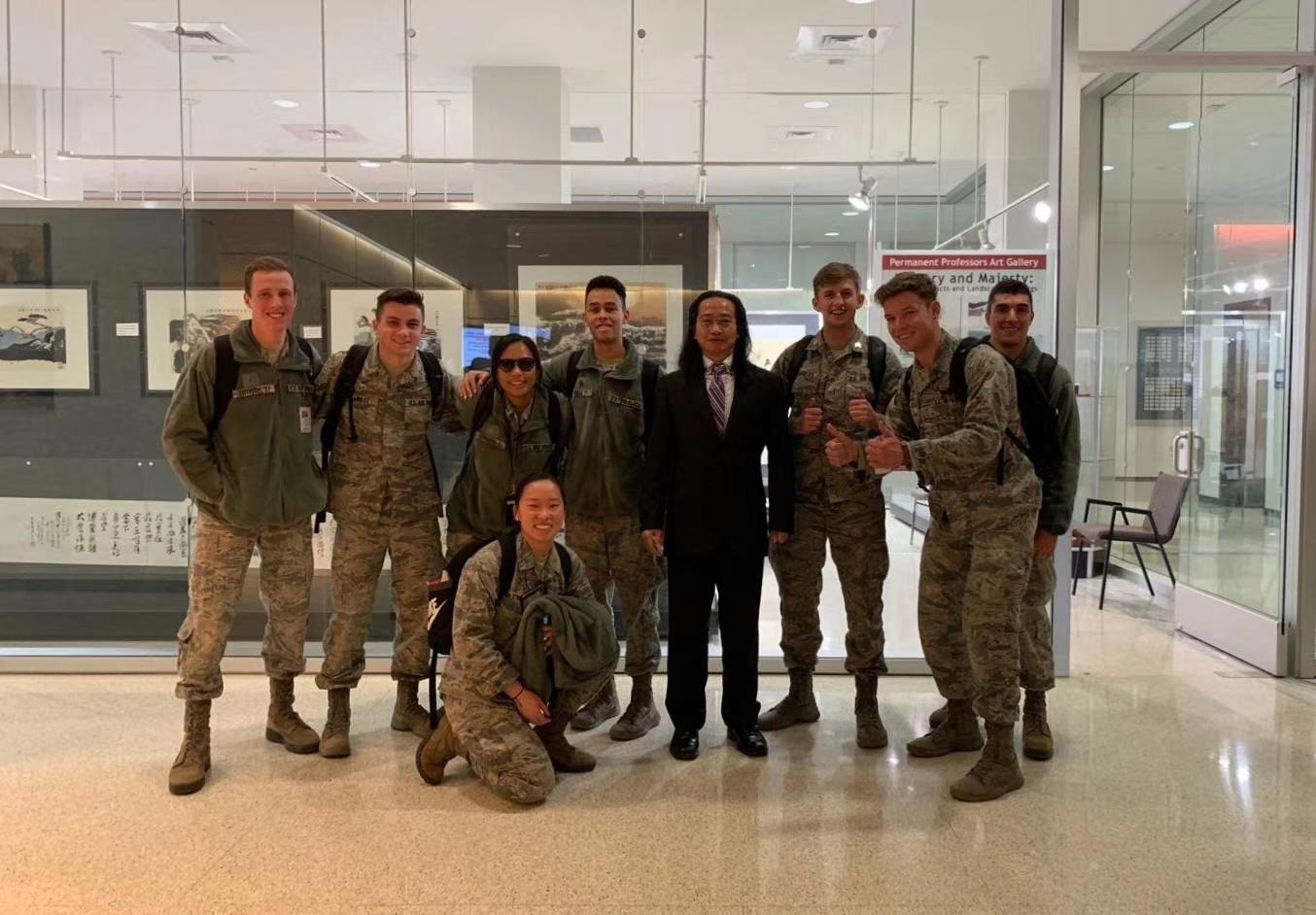 董廷超作品2019年12月6日在美国空军学院展出