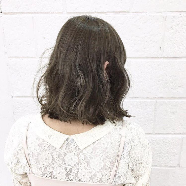 选对发色可以让你变的更加时尚和潮流,发型总是可以为形象增色