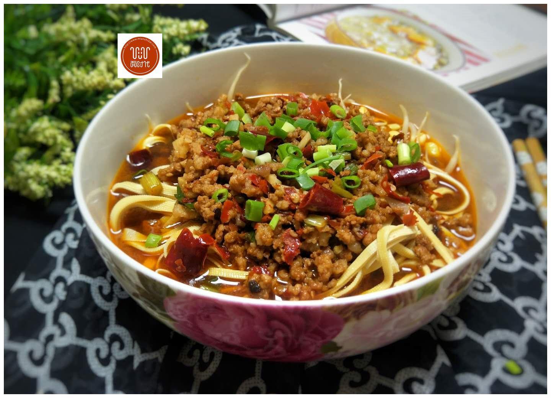 家常味肉末豆腐皮,好吃易做,可以配饭吃,还能当主食,很不错哦