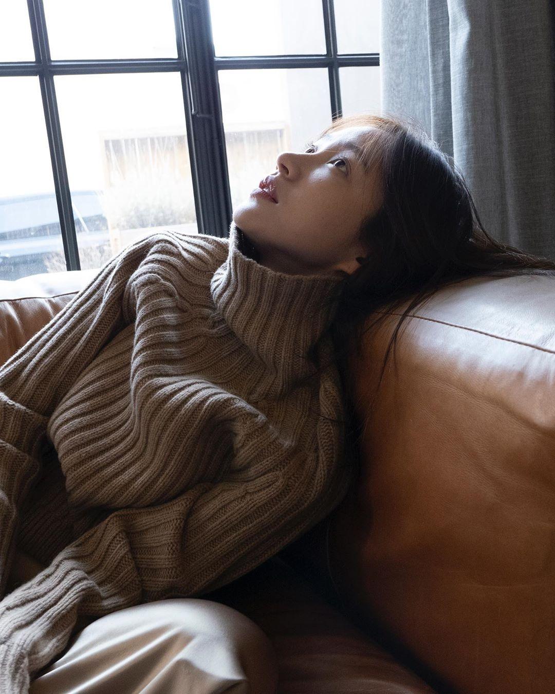 EXID安喜延网络剧《XX》即将播完 公开依依不舍的近况照片