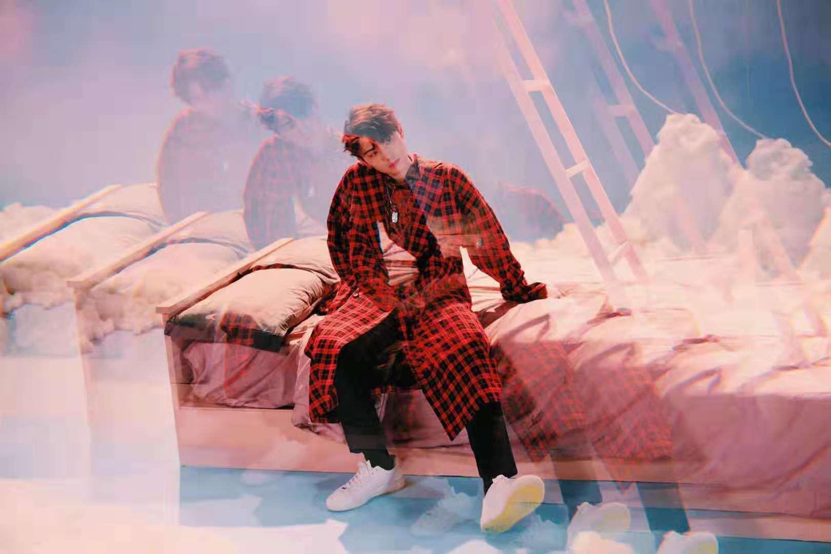 张洢豪《如沐》MV甜蜜上线 演绎青色唯美的暗恋故事