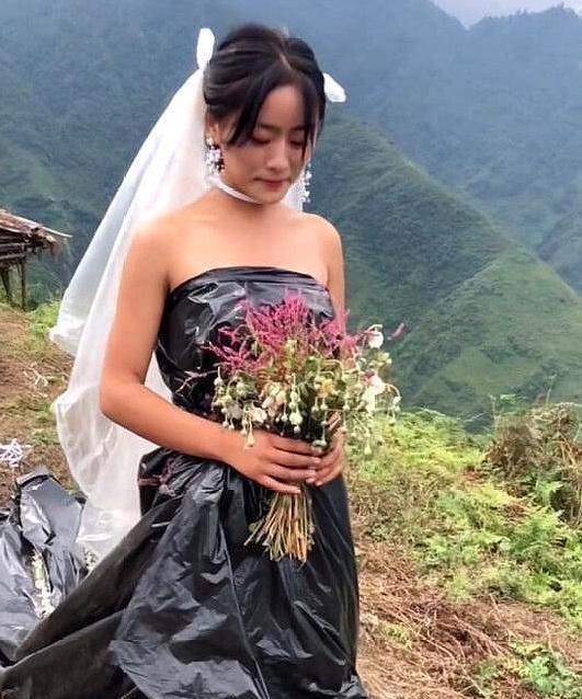 """""""最省钱""""新娘火了,看到婚纱款式,网友:明年爆款!"""