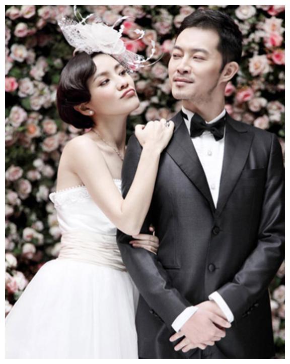 胡可的婚纱照,杨颖的婚纱照,妍希的婚纱照,都输给风韵犹存的她