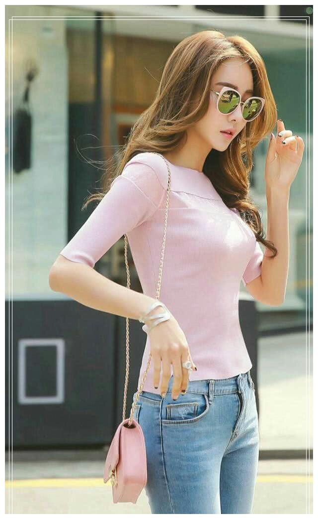 紧身牛仔裤,色彩间搭配的恰到好处,充满精致美感