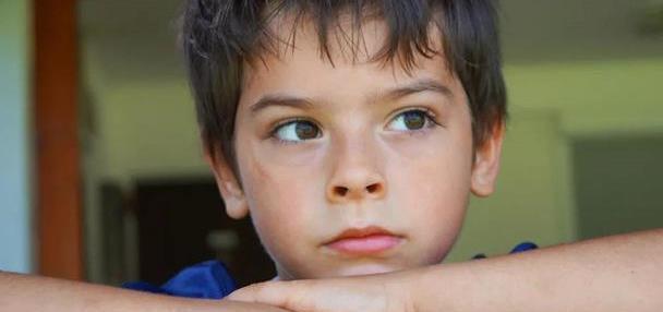 孩子写作业总是东张西望,精力难以集中,培养孩子专注力是首选