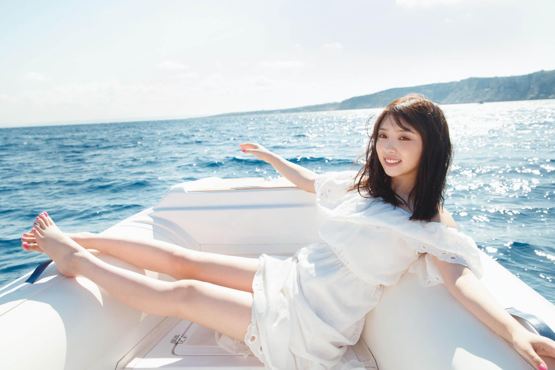 躺在床上的与田佑希太美了!写真集《沉默的时间》限定原创封面解禁