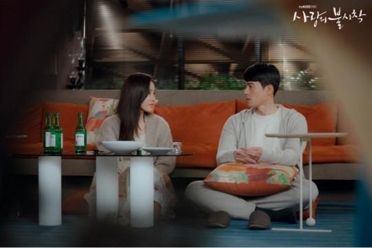 玄彬&孙艺珍公开电视剧《爱的迫降》结局感想和名场景