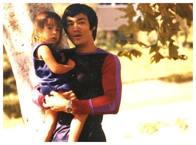 李小龙女儿李香凝:去世的父亲,成就了她一辈子的事业