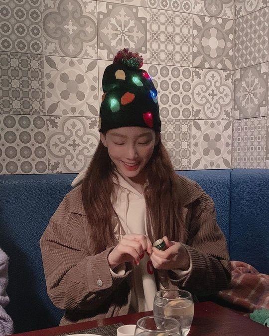 金泰妍公开戴着可爱帽子的近况照 2019年再见