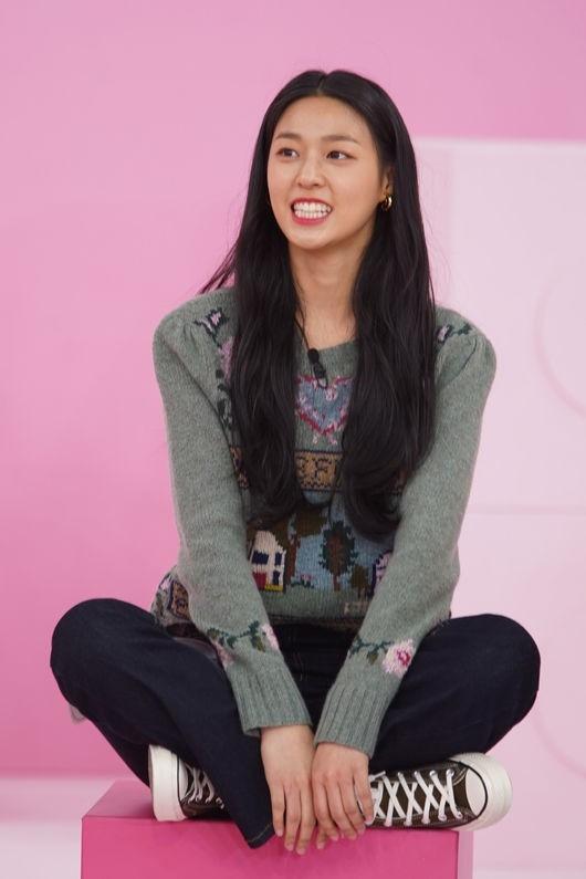 《Idol Room》AOA金雪炫对自己的容貌充满自信的评语?我很帅!