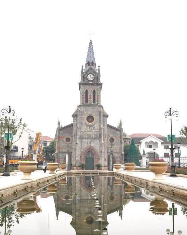"""宁波""""小而美""""网红景点,屹立江边150年,是当地人婚纱照首选地"""