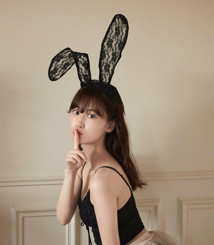山下美月1st写真集《忘不了的人》第三次再版销量突破17万部兔女郎解禁