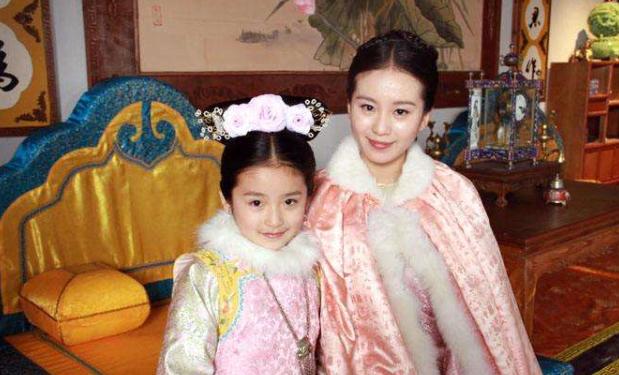 《步步惊心》承欢公主长大了,五官神似林青霞,私服穿搭引领潮流