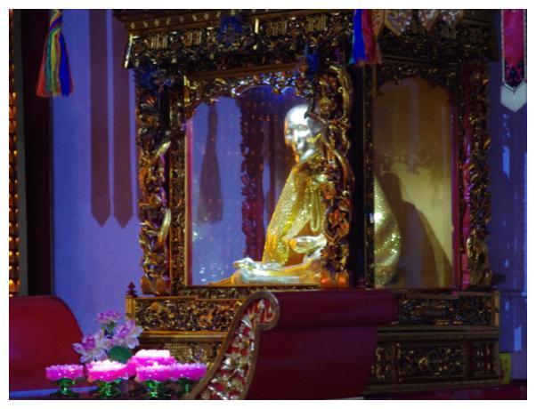 九华山唯一的肉身女佛像,肤色与常人无异,不腐原因成未解之谜