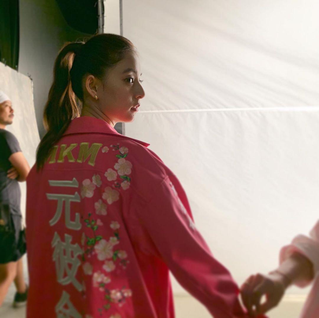 新木优子超华丽的特攻服拍摄反响热烈 粉丝表示最完美太适合了