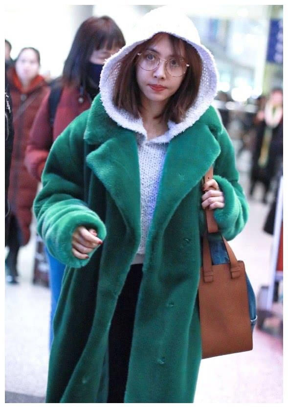 蔡依林挑战绿色泰迪熊外套,论时尚和潮流范儿,我只服她!