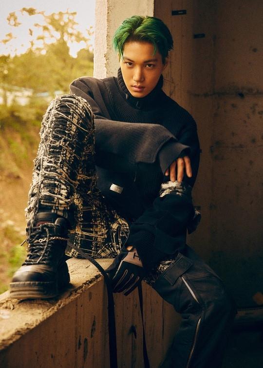 EXO金钟仁公开第6张专辑《OBSESSION》的预告图片 尖锐性感的气氛