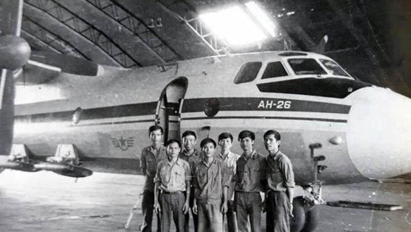 1975年,越南入侵柬埔寨,开苏联运输机,丢美国航空炸弹