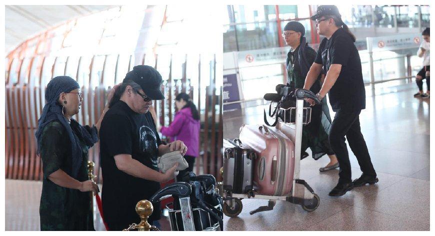 罕见刘欢与妻子机场照打扮时髦潮流,二人30年珍珠婚令人羡慕