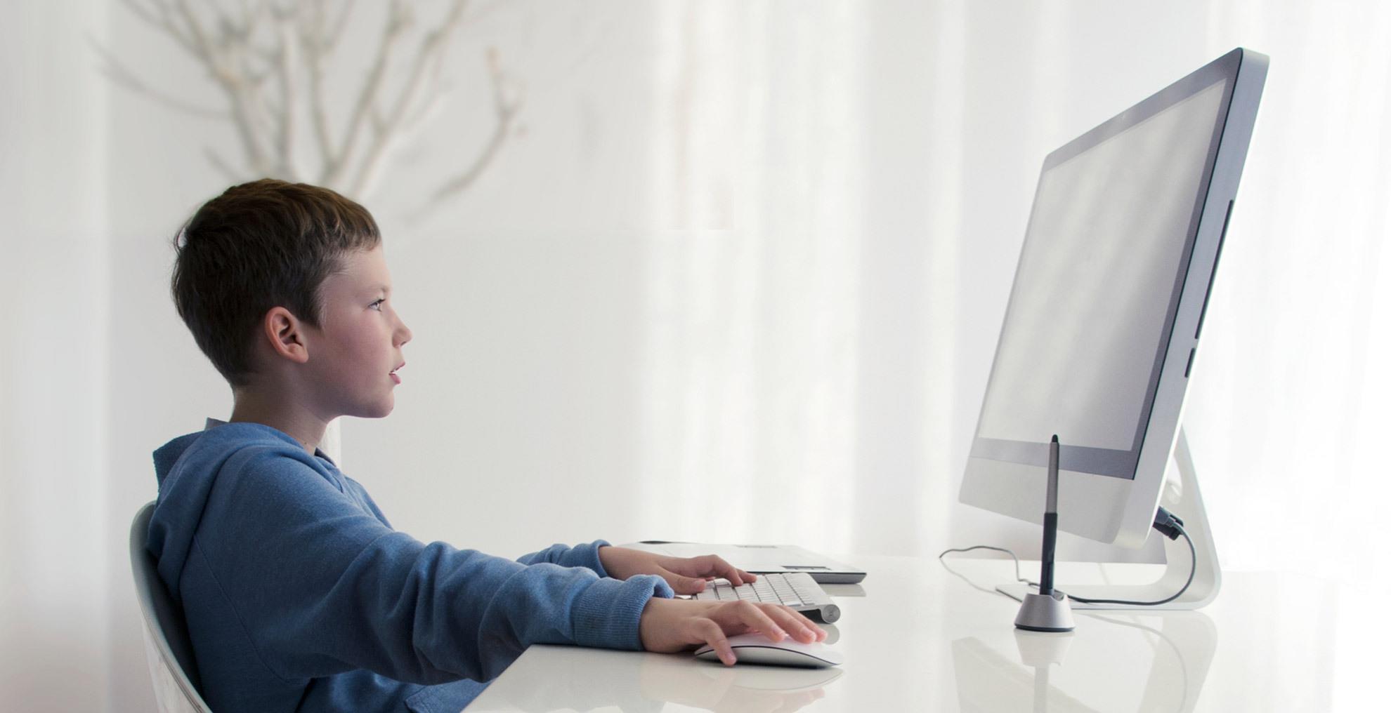 孩子偷玩电脑游戏成绩差,为什么惩罚打骂不管用?先找原因再解决