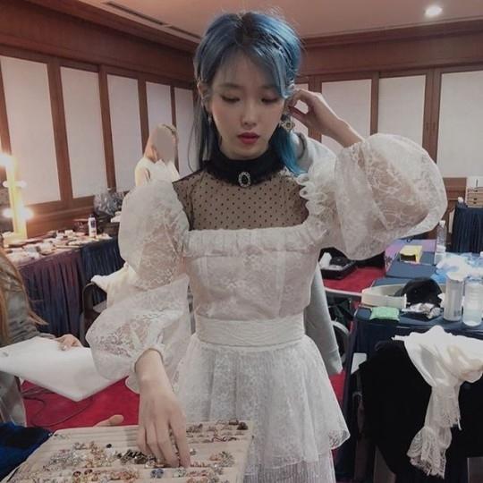 IU公开釜山演唱会后台花絮 鲜艳的蓝色海洋