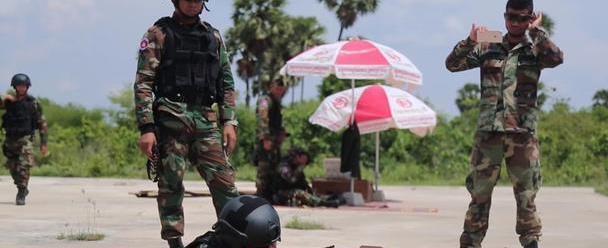 国产80式机枪现身柬埔寨特战!性能广受好评,却未能批量装备
