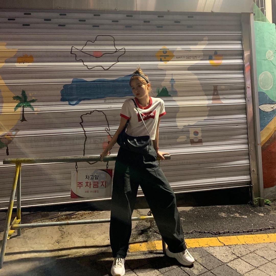 Red Velvet的姜涩琪不真实的身高比例震惊了所有人