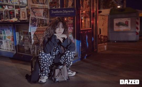 Girl's Day李惠利混入维也纳的街道 展示感性的时尚写真