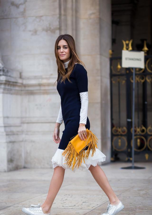聪明女人早就不背水桶包了,换上这款包,高级百搭,照着买准没错