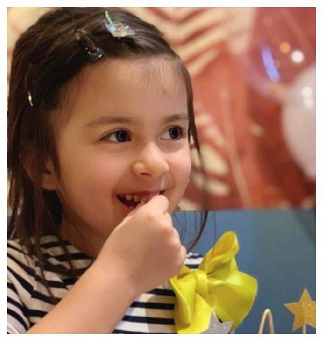 梁詠琪基因太強大,混血女兒顏值高到犯規,被贊「最美星二代」