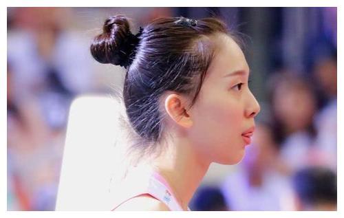 中国女排,这个春节属她过得最糟心,年前被抛弃,年后被戏耍