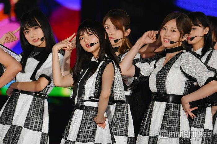 乃木坂46GirlsAward大压轴3万人狂热远藤樱Center最新曲披露