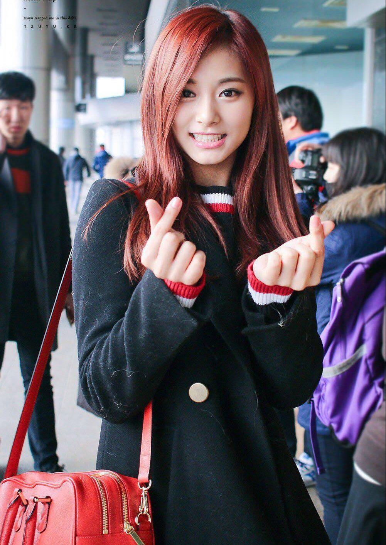 TWICE周子瑜透露了她的成员最喜欢的头发颜色