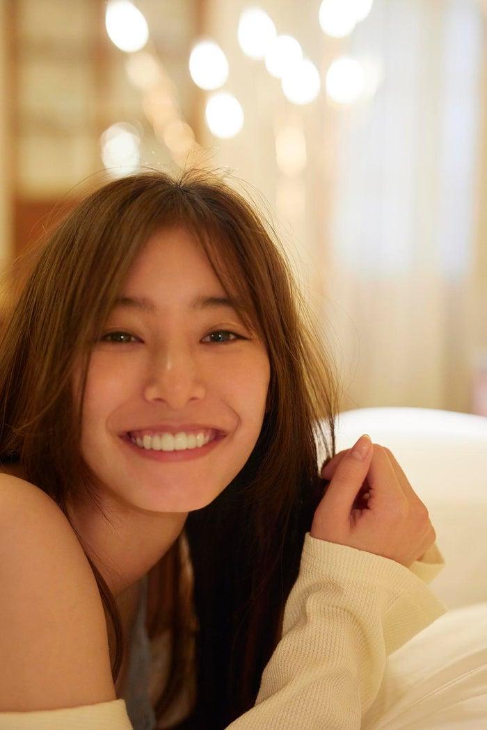 新木优子首次公开2nd写真集《honey》新照片解禁