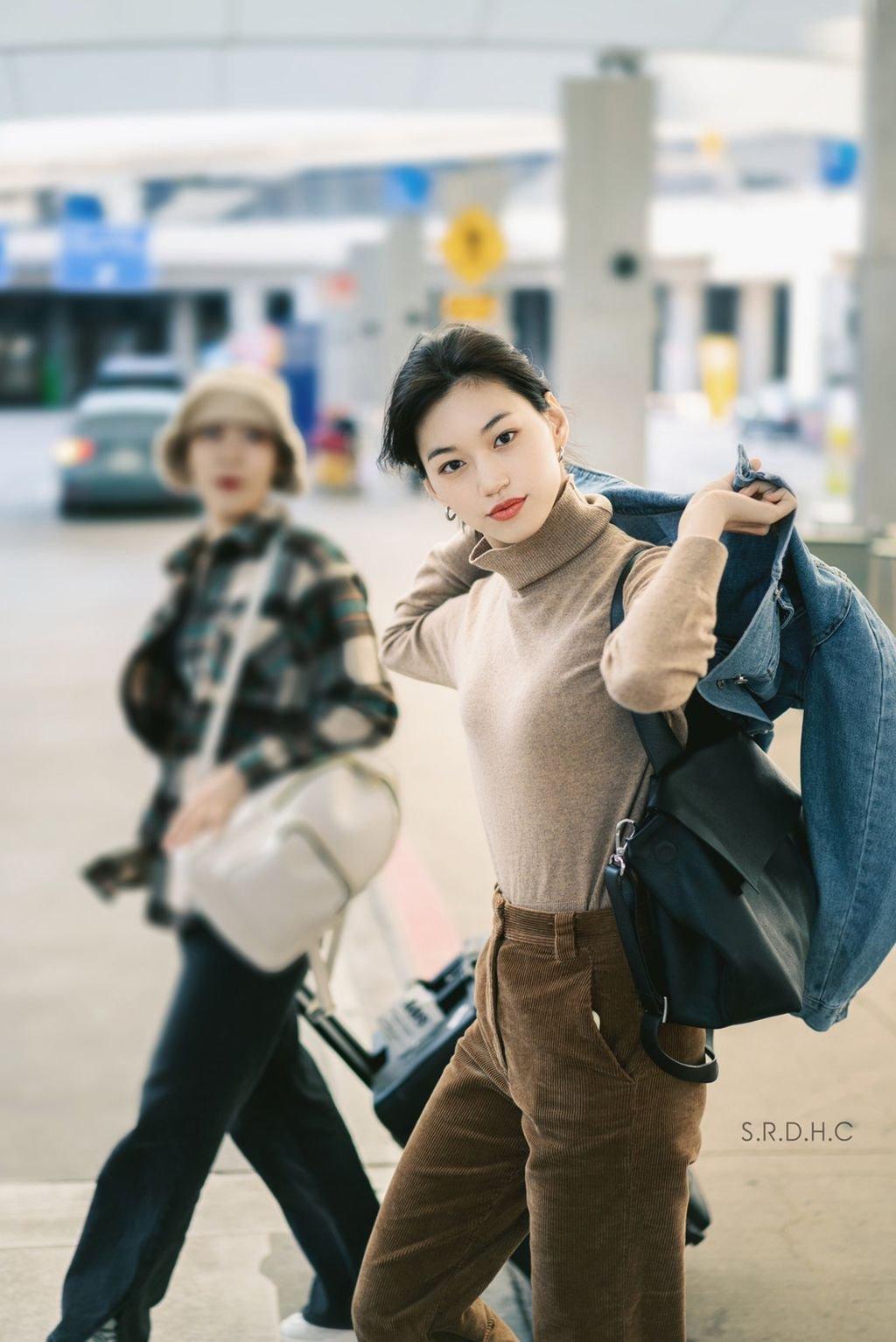 Weki Meki的金度延因其模特般的时尚风格受到好评
