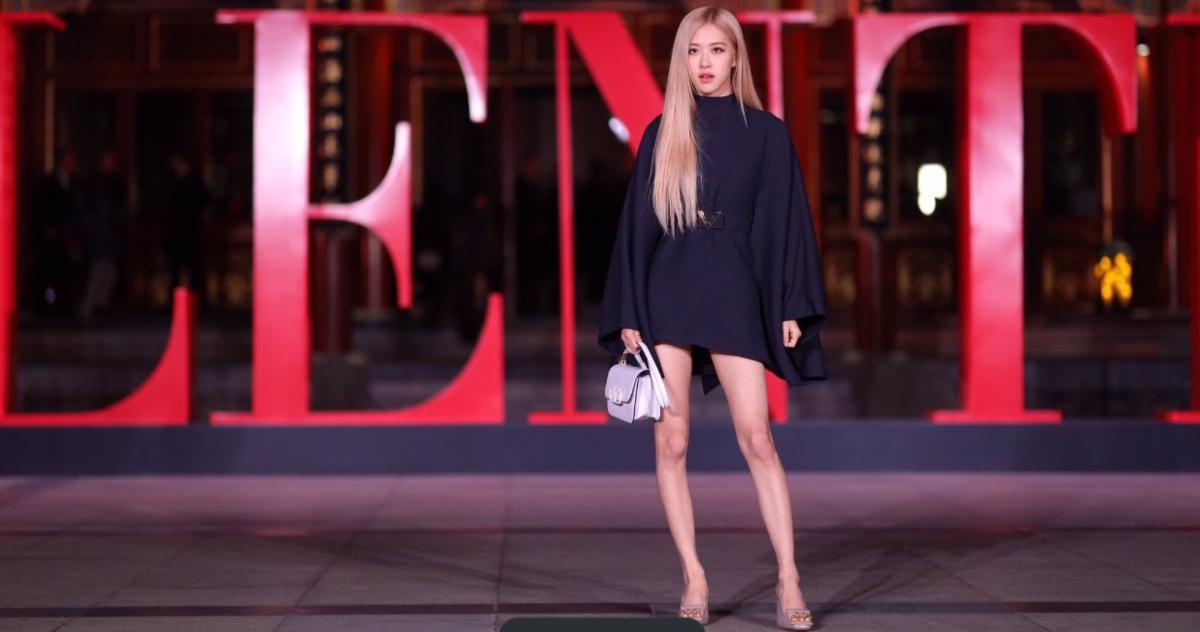 Rose朴彩英出席北京华伦天奴高级定制时装秀上 粉丝们眼花缭乱
