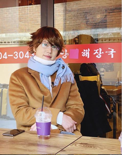 SUPER JUNIOR曺圭贤变身《冬季恋歌》中的裴勇俊Insta成为话题