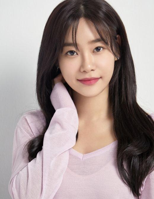 AOA徐酉奈参加电视剧《请融化我》OST《砰砰》将于11月3日发售