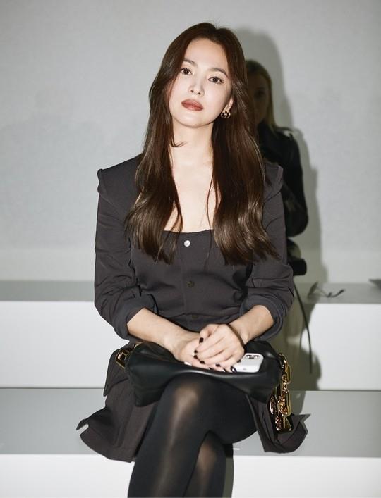 宋慧乔与好莱坞女演员出席BOTTEGA VENETA时装秀