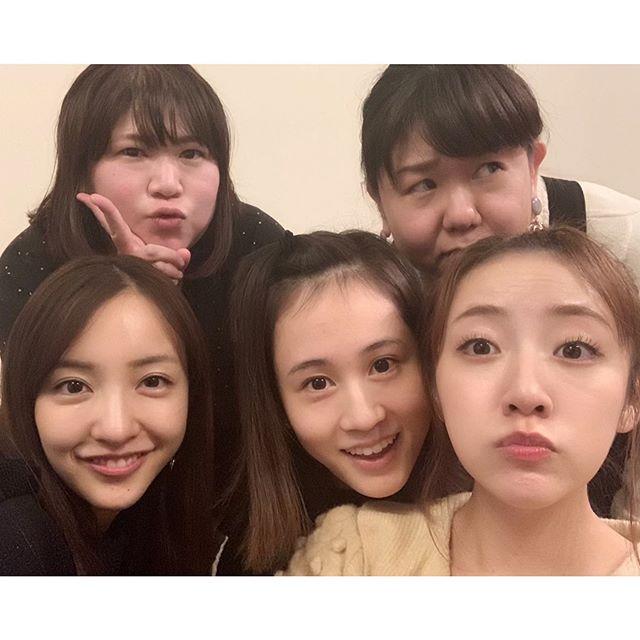 板野友美、前田敦子、高桥南的同级生聚会 从14岁开始就没有改变的关系