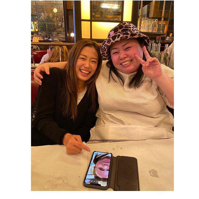 里田舞和渡边直美的笑容合照 从心里洋溢着快乐的两人
