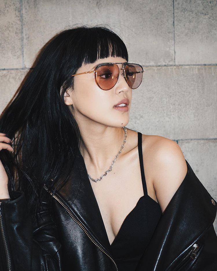 E-girls藤井夏恋大胆露出肌肤的性感&酷酷的照片