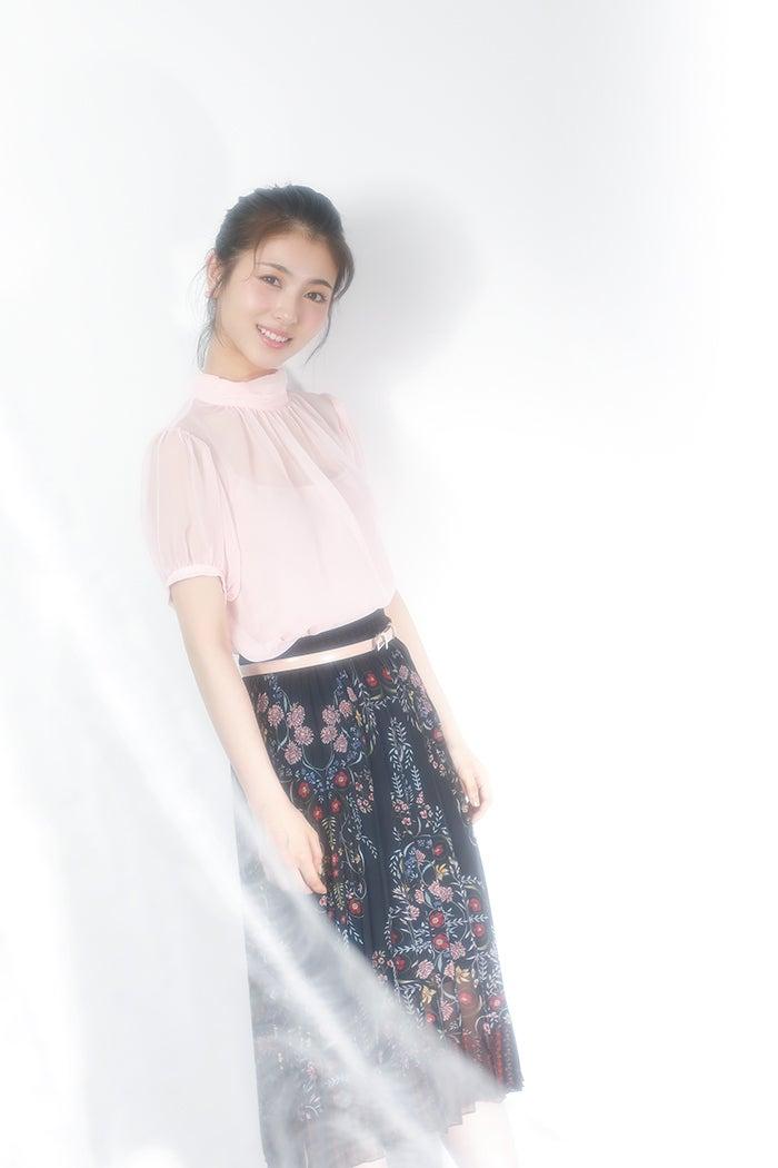 滨边美波将于11月12日发行自己的第一本写真随笔《任性的美波》