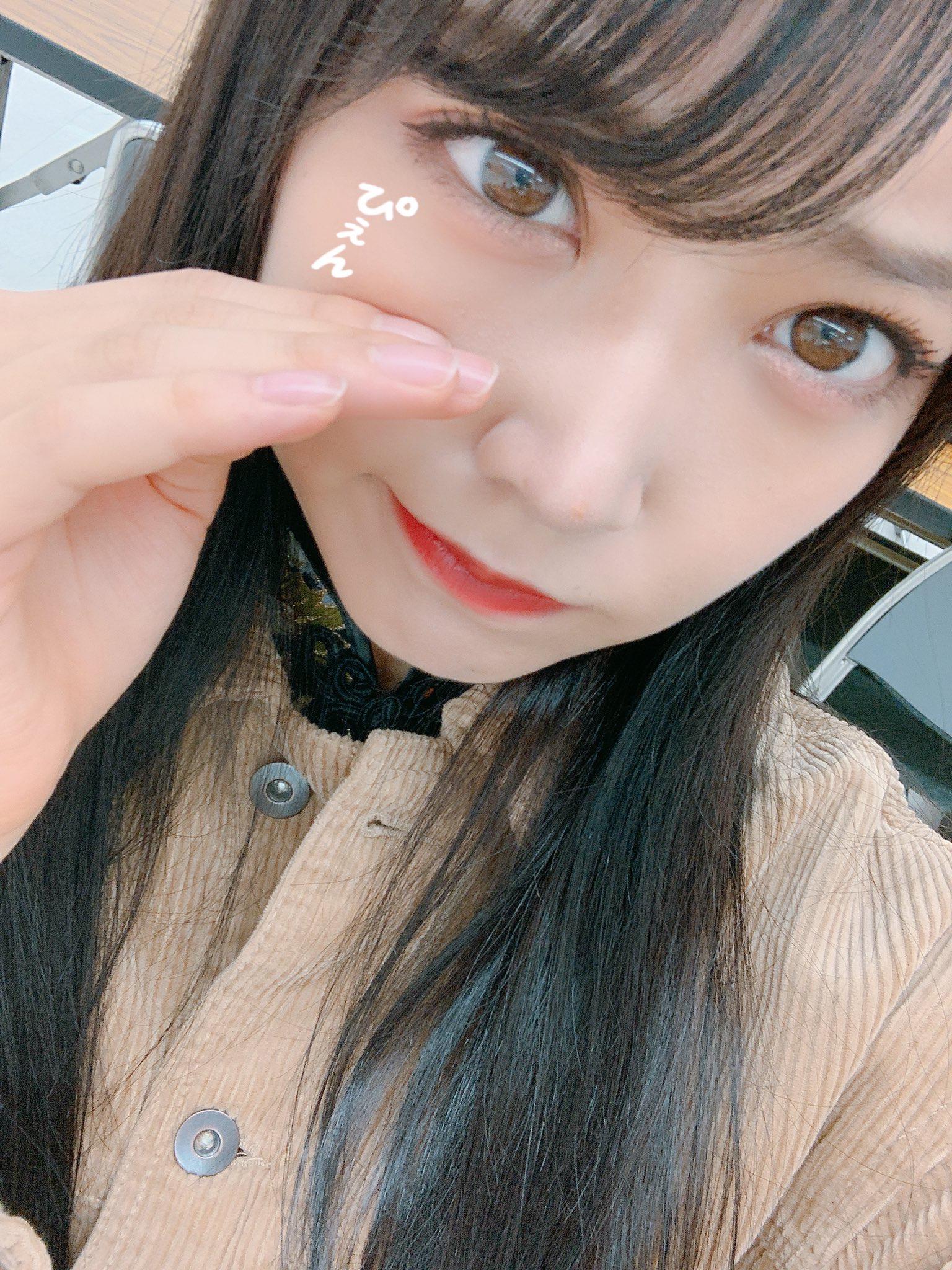 NMB48白间美瑠羞涩的表情让人心动超迷你长度旗袍爱好者