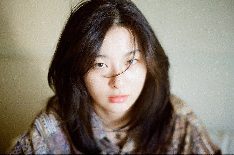 Red Velvet的Seulgi姜涩琪着迷于简单而性感的照片